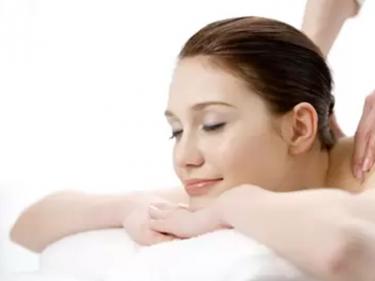 Massage trị liệu cổ vai gáy cổ truyền